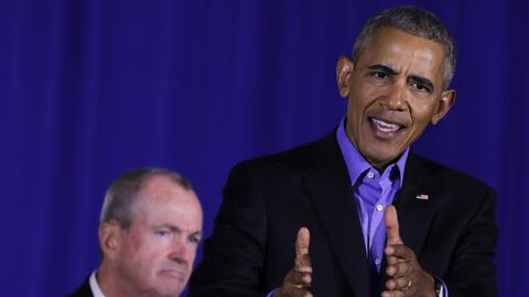 El expresidente Barack Obama durante el evento de campaña en Nueva Jerse...