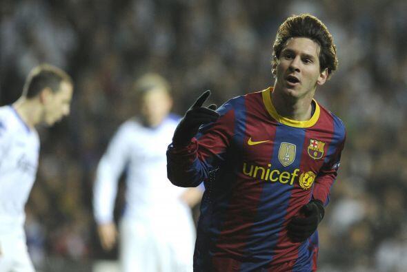 Con el argentino Lionel Messi a punto de coronarse tricampeón de...