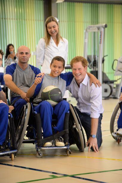 El príncipe Harry de Inglaterra visitó en Brasilia el Hospital Sarah, un...