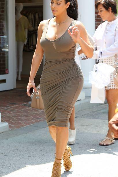 Tremenda figura ha adquirido Kim Kardashian. La socialité sigue apostand...