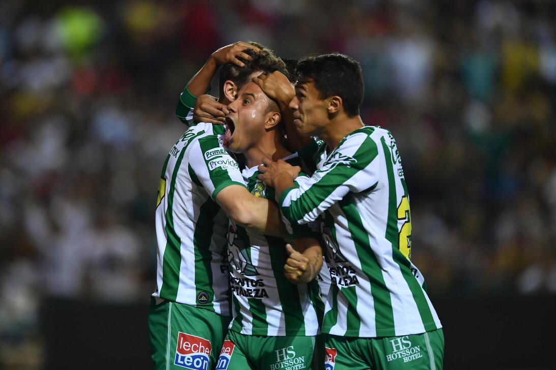 11. León: 14 puntos (-6)