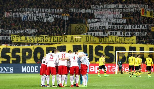 """Cuando """"La Muralla Amarilla"""" del Dortmund estalló en cólera 1.jpg"""
