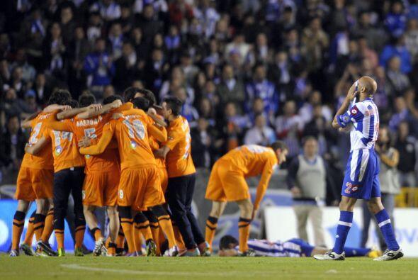 La tristeza del Deportivo contrastaba con la alegría de la Real S...