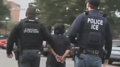 ICE notifica del arresto de 153 inmigrantes indocumentados en un operati...