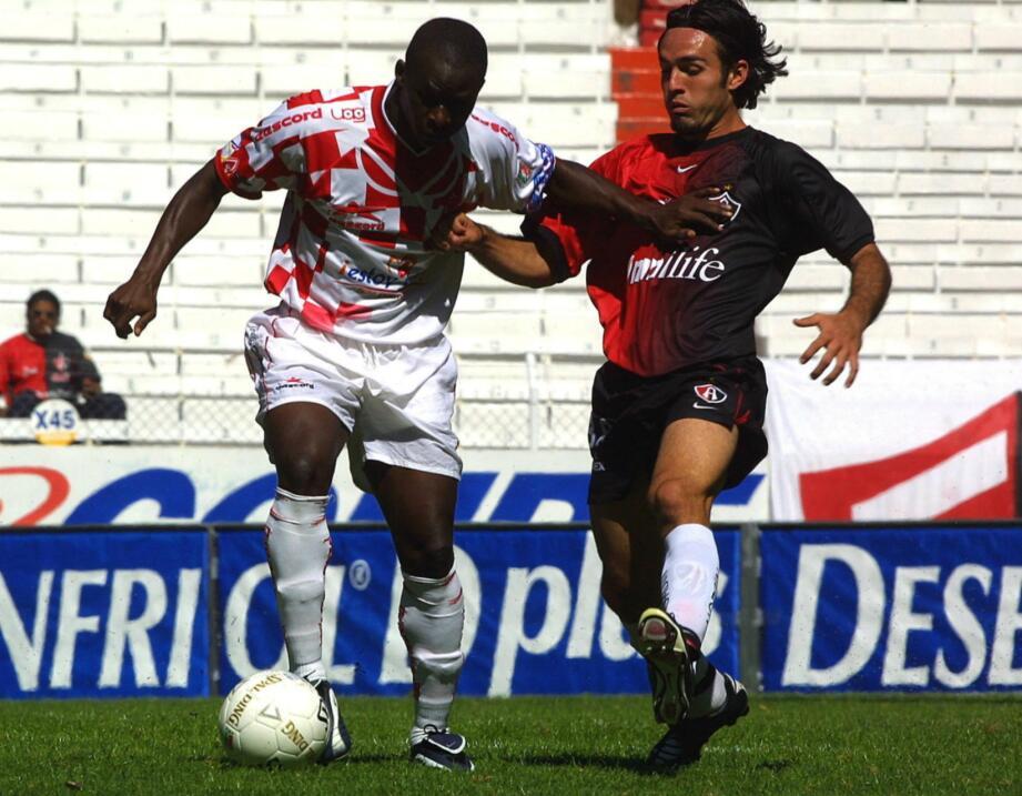 Joseph Tchango (Camerún) estuvo en Jaguares Colima y Estudiantes Tecos e...