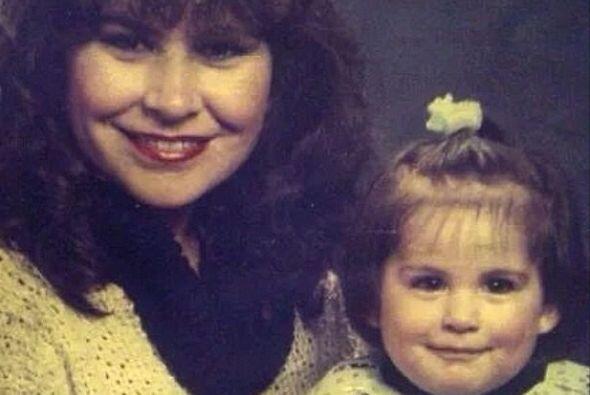Ana nació en Tamaulipas, México un 24 de diciembre de 1986.