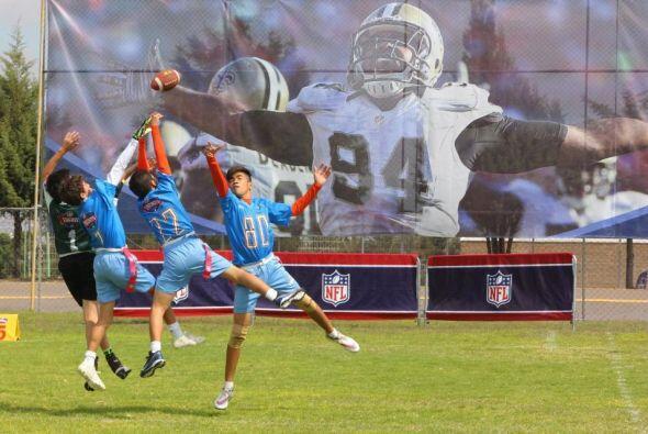 """Al evento, que es una campaña de activación de la NFL llamada """"Play 60"""",..."""