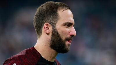 Gonzalo Higuaín solo apareció para ser el salvador del Milan