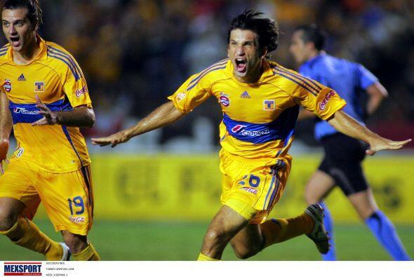 Francisco Fonseca es otro jugador que aprovechó su Mundial para brincar...