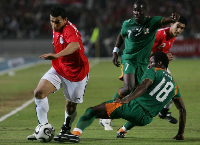 El internacional egipcio Mohamed Abdelwahab murió tras desvanecerse en u...