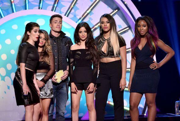 """Colton Haynes de """"Arrow"""" y Fifth Harmony"""