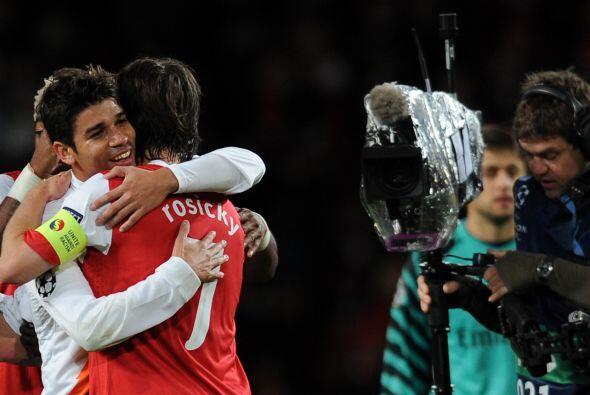 El brasileño naturalizado croata Eduardo, ex Arsenal, marcó el descuento...