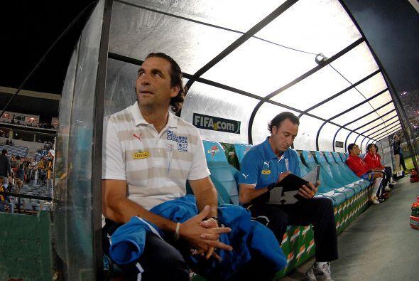 Juan Antonio Pizzi, técnico de Católica, colocó al...
