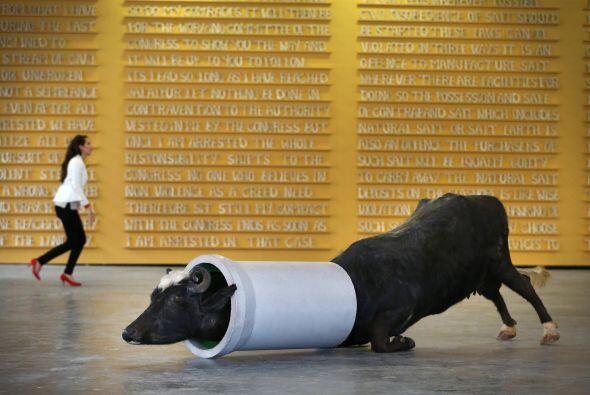 "La escultura de Huma Mulji titulada ""Su sueño Suburan"" se mu..."
