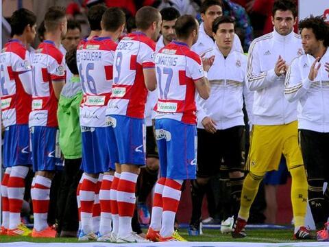 El Granada reconoció al ya campeón de la Liga Españ...
