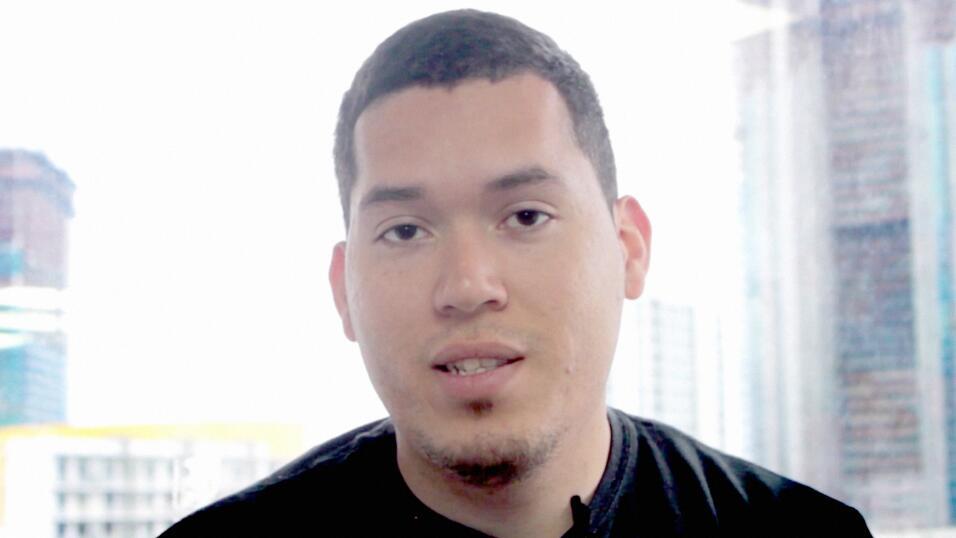 Julio Calderón llegó a Estados Unidos desde Honduras con 16 años y un me...