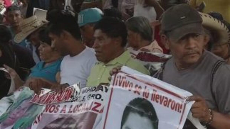 Padres de Ayotzinapa: fracaso reunión con Peña Nieto
