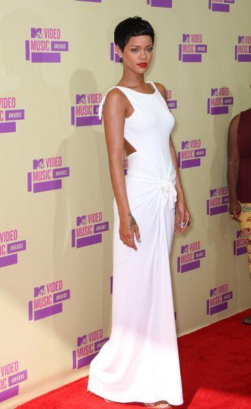 Para los MTV Video Awards, Rihanna no sólo impactó con este sensual 'mod...