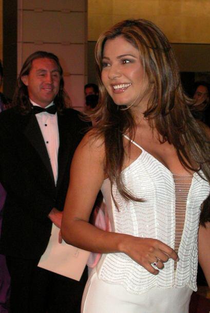 En el 2003, Jackie Arroyo demostró mucha seguridad con este modelo atrev...