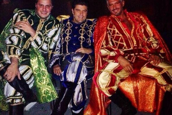 """""""Unos Don Juanes"""", mostró Paul Stanley. (Noviembre 5, 2014)"""