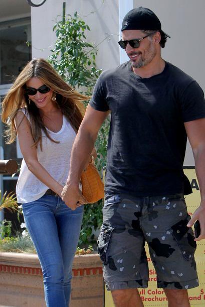 Desde que se enamoraron este par de guapos no se suelta a sol ni a sombra.