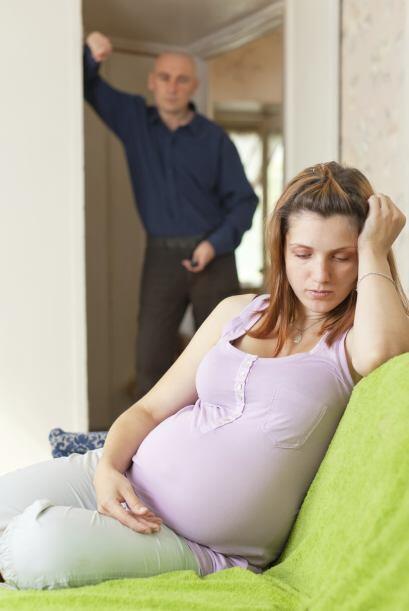 Otro punto, es que los riesgos de un embarazo aumentan, por ejemplo el n...
