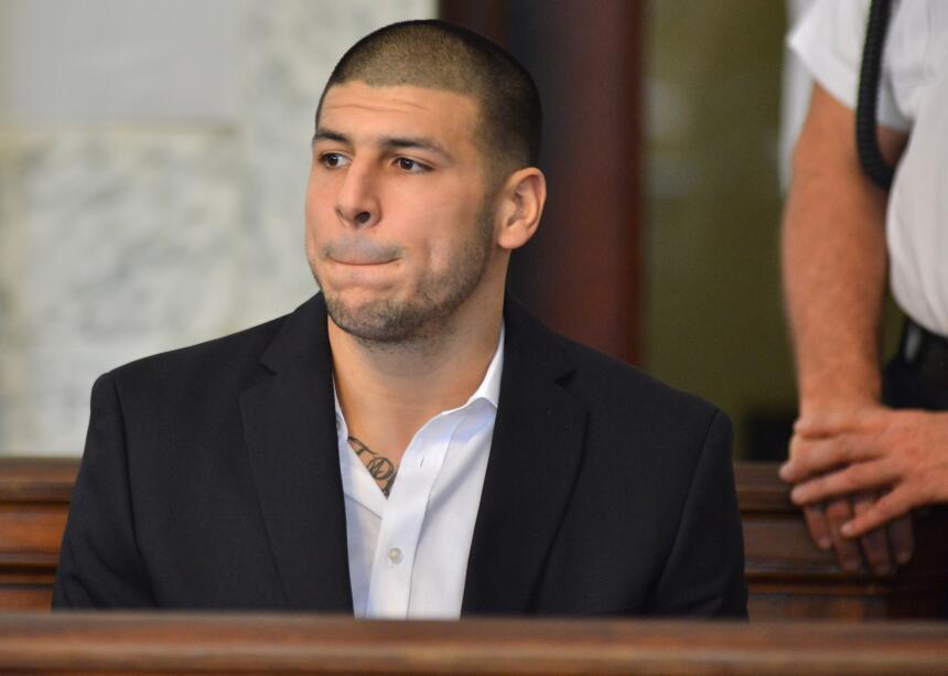 Aaron Hernández fue condenado a cadena perpetua sin libertad condicional...