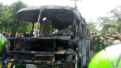 Decenas de muertos y heridos por explosión de un autobús en Colombia