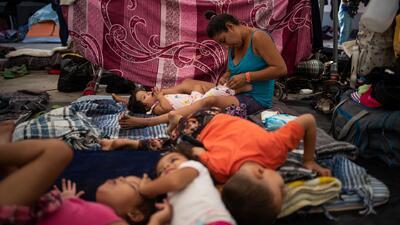 Autoridades establecen área de protección para los migrantes de la caravana en Tijuana