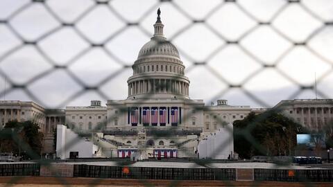 Hay al menos 30,000 policías en Washington D.C. para garantizar la segur...