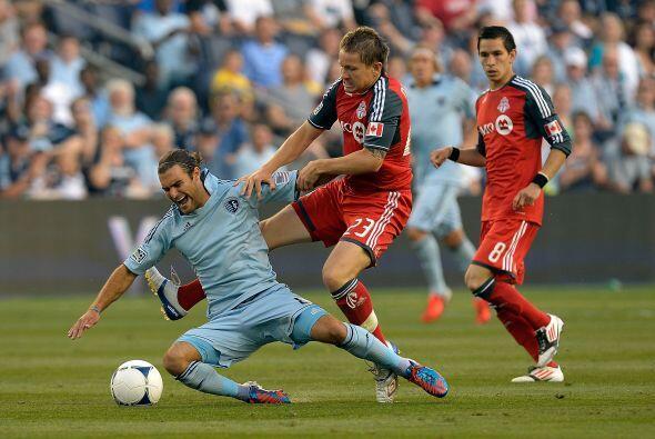 El Sporting recuperó la cima de la Conferencia Este al vencer a Tortonto.