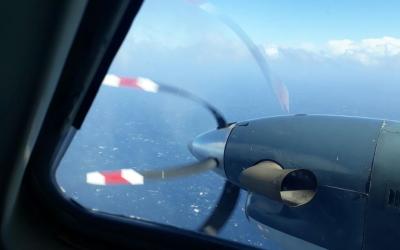 Imágenes de las operaciones de busqueda desde un avión de...