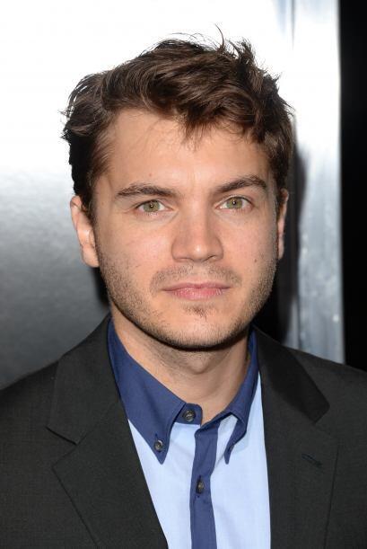 El actor, de 28 años, se reencontró con un ex amor y también salió con s...