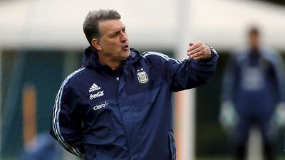 "Para 'Tata' Martino, Argentina es candidato pero ""Brasil llega en mejores condiciones"""