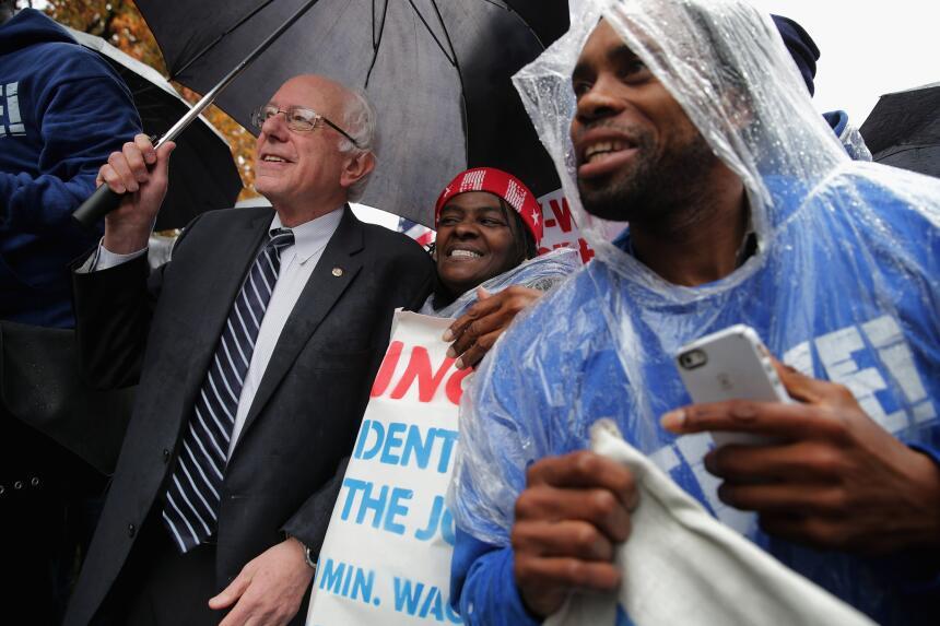 En fotos: Toman las calles por un mayor salario mínimo GettyImages-49652...