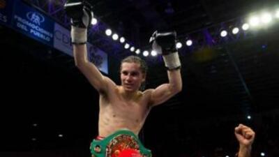 Carlos Cuadras retuvo el cinturón al empatar con José 'Sugar' Salgado (F...