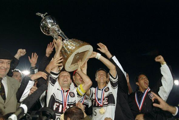 En 1998, la MLS tuvo su primera ronda de expansión. Chicago Fire debutó...