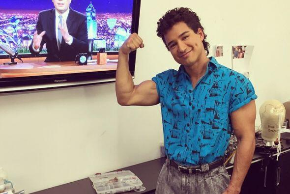 Mario Lopez, como AC Slater.