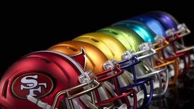 Lanzan nueva colección alternativa brillante de cascos de la NFL