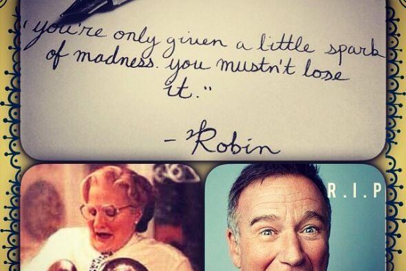 Tan pronto el público se enteró de la muerte de Robin Williams. cientos...