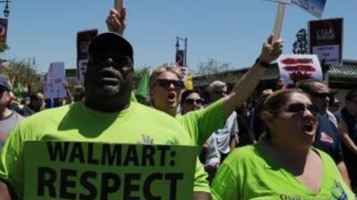 Grupos de trabajadores y organizadores sindicales reanudaron el viernes...