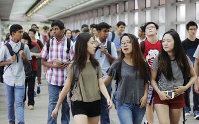 Estudiantes de la escuela secundaria de Stuyvesant en el primer d&iacute...