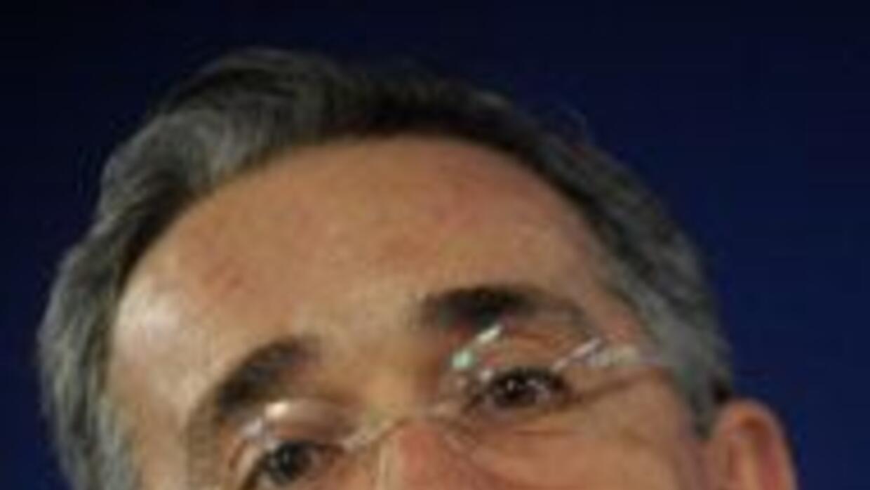 FARC rechazaron diálogo con Alvaro Uribe en el extranjero 53ee3d3de68941...