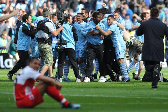 Caras contrastantes, el City festejaba el título, mientras que el QPR no...