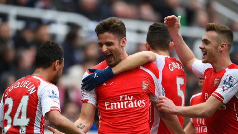 El delantero francés marcó los dos goles en la victoria del Arsenal.
