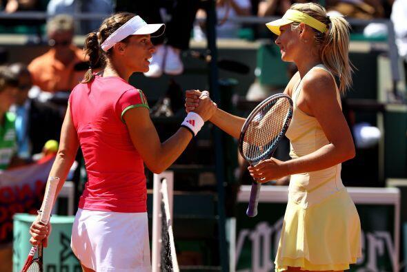 La rusa María Sharapova derrotó por 6-0 y 6-3 a la alemana Andrea Petkov...
