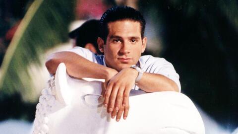 Arath es un dandy, recuerda sus amores de novela