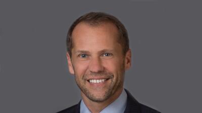 David Park, Vicepresidente Ejecutivo de Comunicación y Estrategia, Héroe...