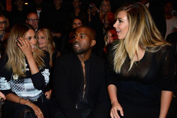 Al parecer Kim se divirtió saludando a sus viejas amistades.