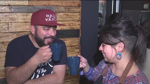 Pese a la violencia en el barrio Las Empacadoras, estos hispanos le apue...